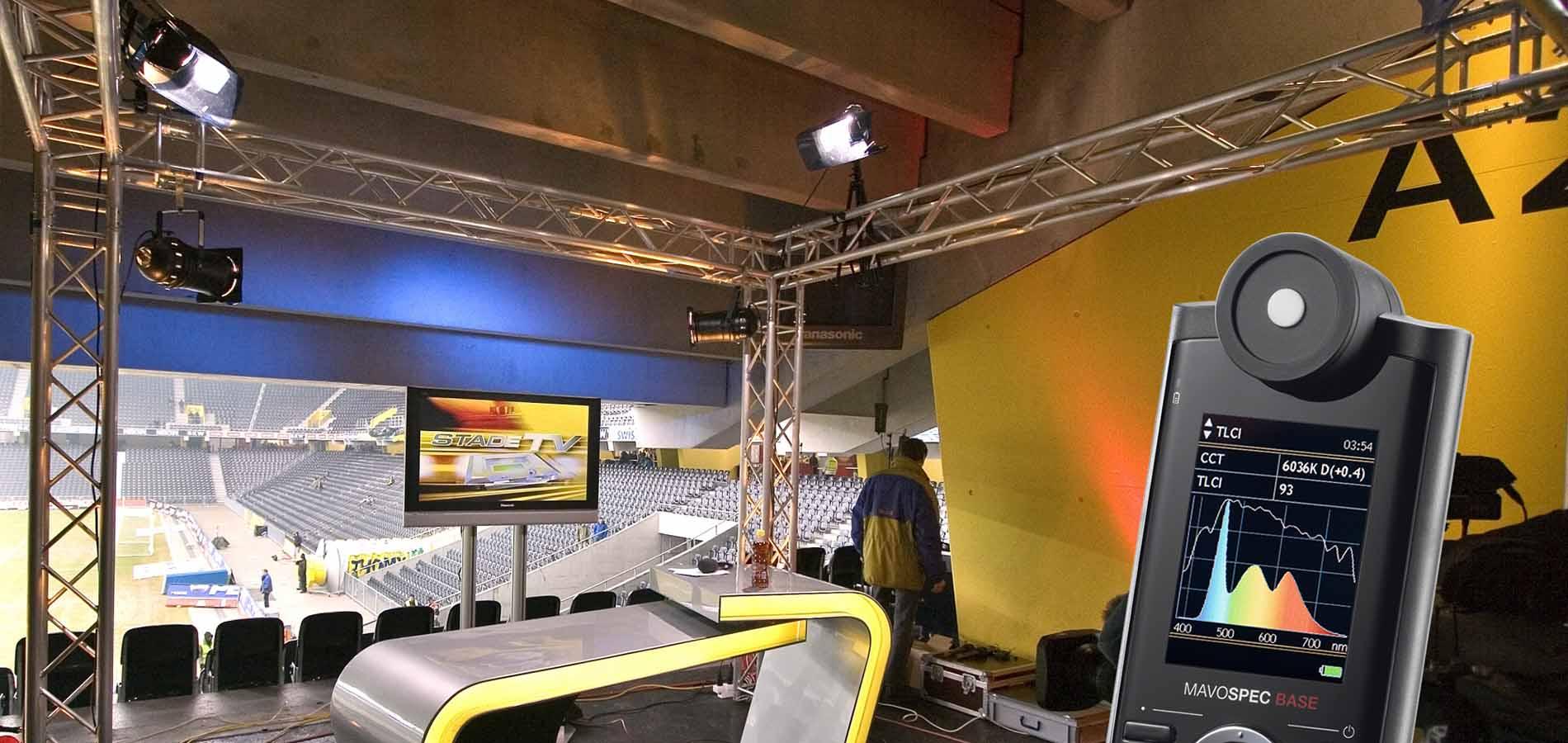 Mavospec Base con medición del índice de consistencia de iluminación de televisión (TLCI)